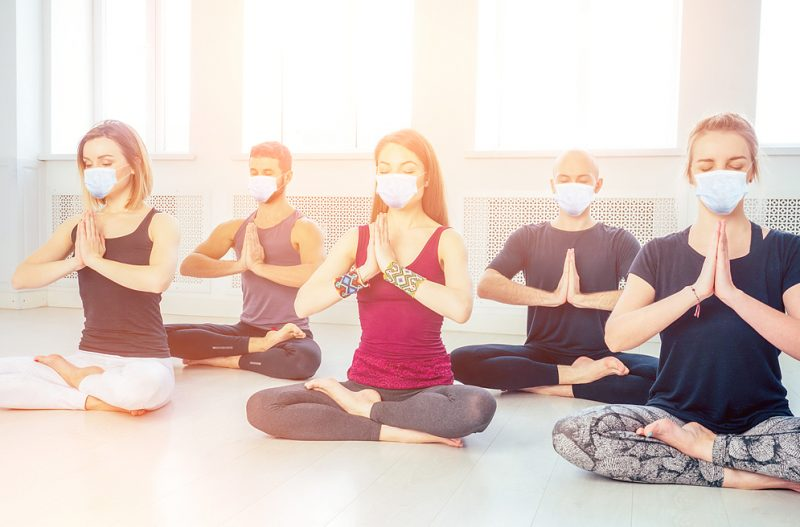 Trotz Corona finden Online Yogakurse im Santosha statt.